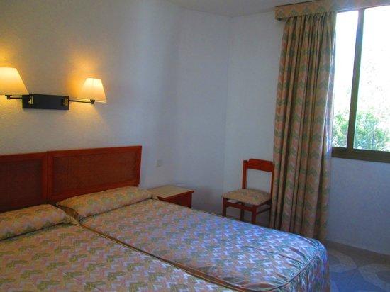 Bedroom picture of trh jardin del mar santa ponsa for Apart hotel jardin del mar