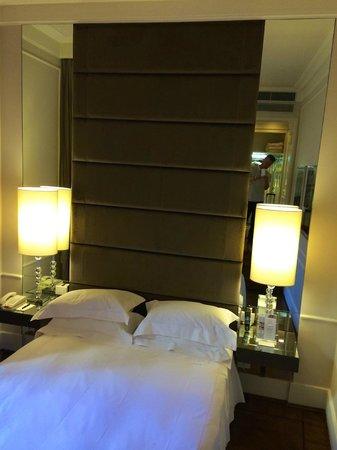 Hotel Brunelleschi: bedroom