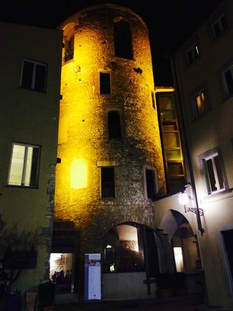 Hotel Brunelleschi: view from outside the hotel