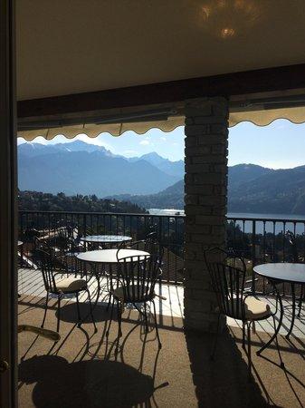 Hotel La Perla: Такой вид ждет вас за завтраком )