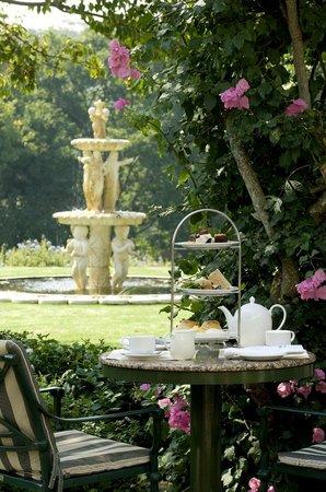 Vineyard Hotel: Garden Lounge/Patio Afternoon Tea