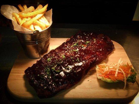 Tiger Tiger - Cardiff: Delicious ribs!