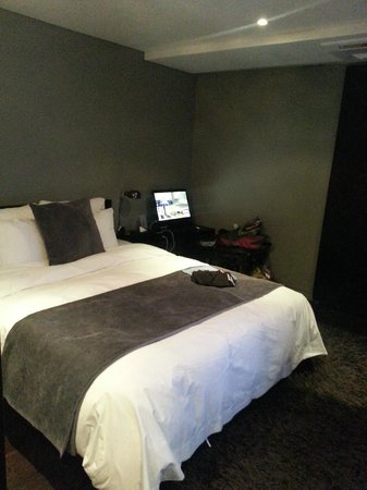 Hotel Amare Yeonsan: Comfy bed but small room