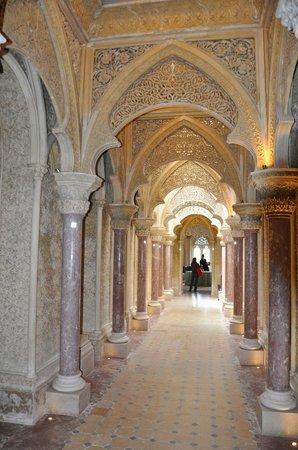 Palacio de Monserrate: Inside of the Palacio.