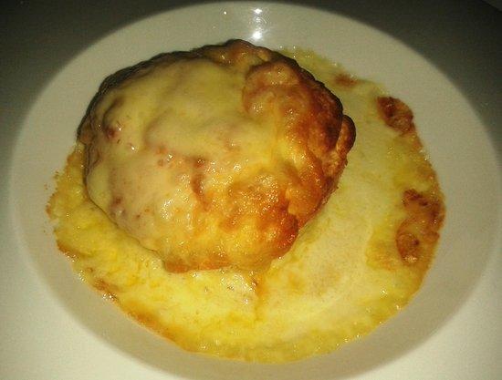 Blakes Restaurant: Double Baked Cheese Soufflé Shallot Cream