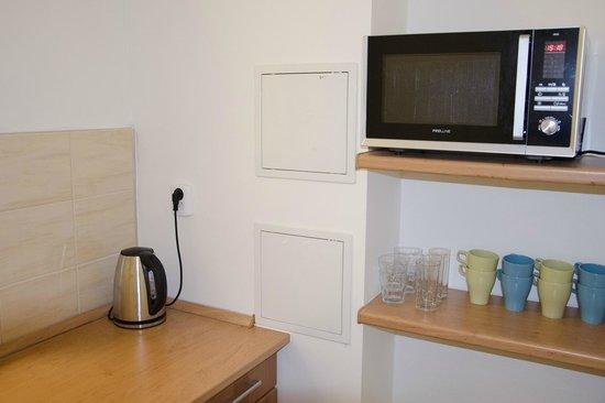 AZ Hostel: Kitchen
