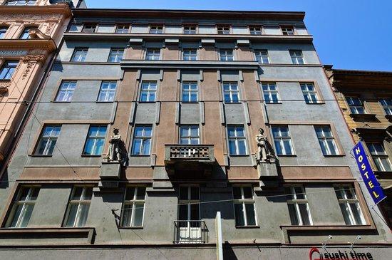 AZ Hostel: Entrance from Jindrisska passage