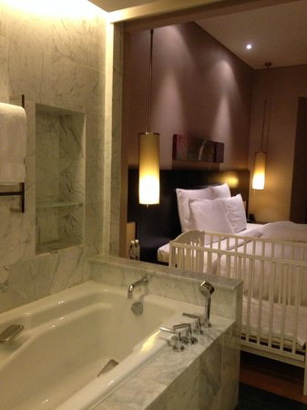 Hilton Kuala Lumpur: Open Concept