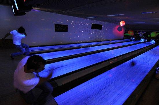 bowling de la plagne: le soir