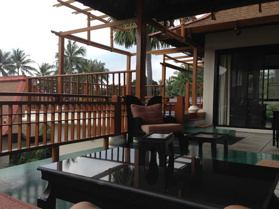 The Briza Beach Resort Samui : prywatny taras