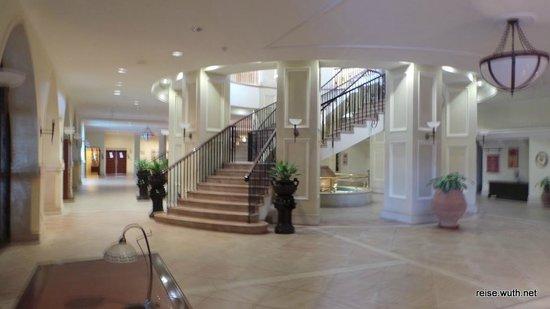 Elysium Hotel: Lobby im Untergeschoss
