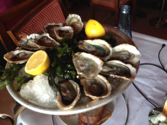 Chez Francis : Oysters were nice. Not cheap....