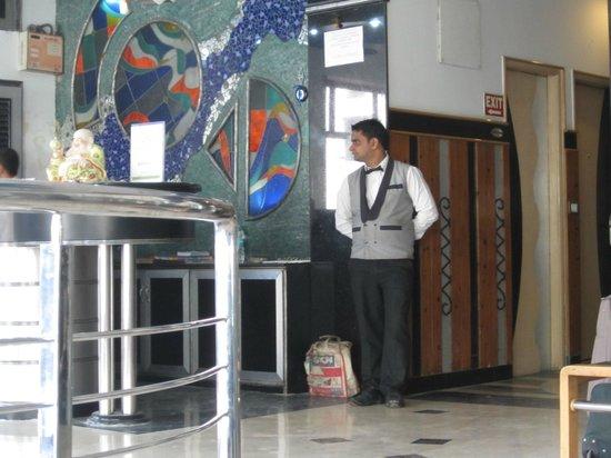 โรงแรมเดอะ ซันคอร์ท ยาทรี: entrance