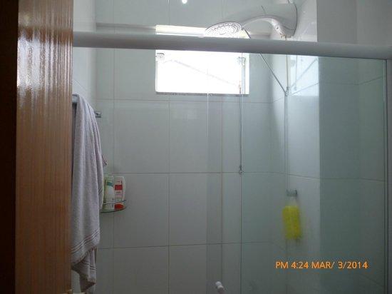 Ilha Norte Aparthotel: ducha amplia