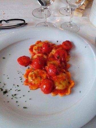 Fuoriporta ristorante: Tortelli di capesante al sugo di pomodorini Pachino
