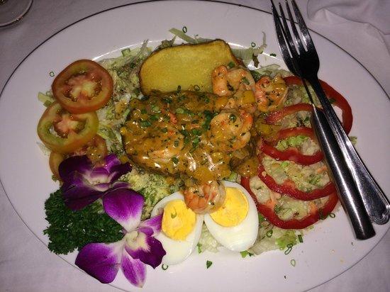 Pla Seafood: Теплый салат с картошкой, креветками и чем-то еще.  - Волшебно!!!