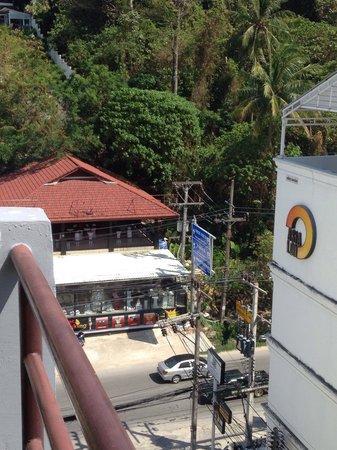 Platinum Hotel: Вид от бассеина
