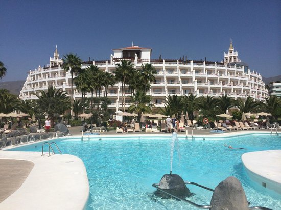 Hotel Riu Palace Tenerife: Hotel from pool