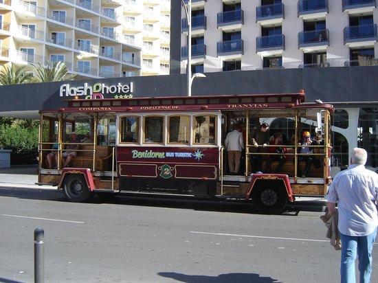 Flash Hotel Benidorm: Hotel Enterence