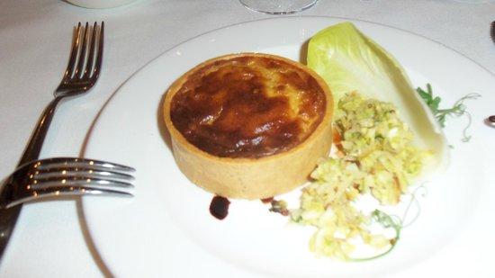 Amphitheatre Restaurant: Caramelised leak & blue cheese tartlet, apple coleslaw
