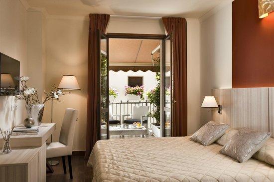 Hotel Della Signoria: Camera Superior vista
