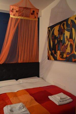 Bed & Breakfast Globetrotter Catania: La stanza