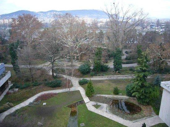 Danubius Health Spa Resort Margitsziget : veduta dal balcone sul parco