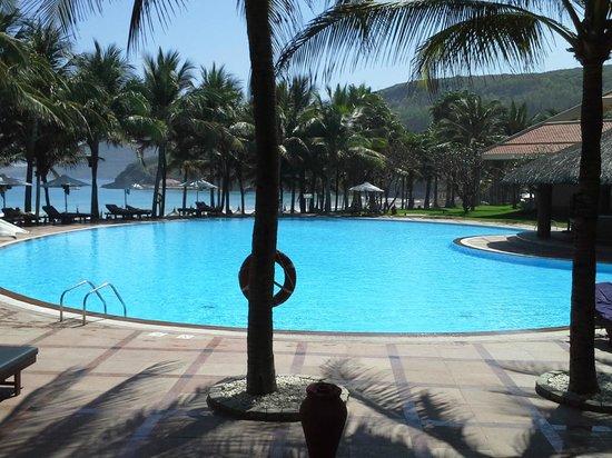 Vinpearl Nha Trang Resort: VIP pool
