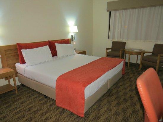 Quality Hotel Mermaid Waters: Room