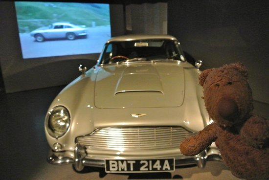 The London Film Museum - Covent Garden: Gruff sneaks into the exhibition!
