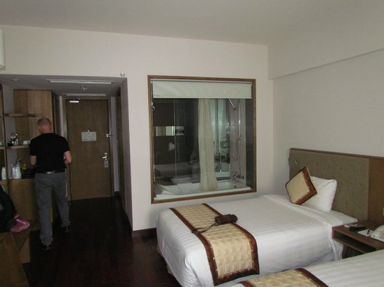Muong Thanh Holiday Hue Hotel: Room