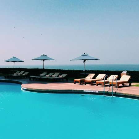 Trident, Nariman Point: Poolside