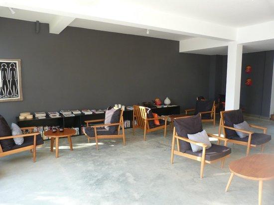 Tamu Hotel: Salle d'accueil