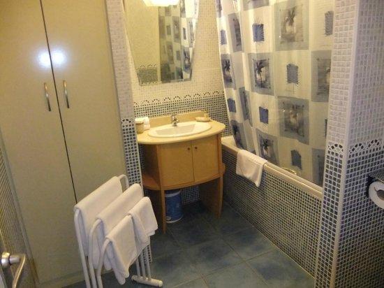 Le Kerveguen: Salle de bain suite junior