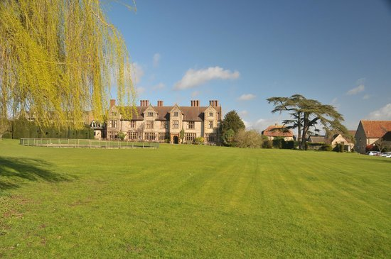 Billesley Manor Hotel: View of the hotel from the grounds