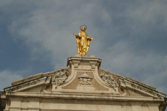 Santa Maria degli Angeli: ci osserva