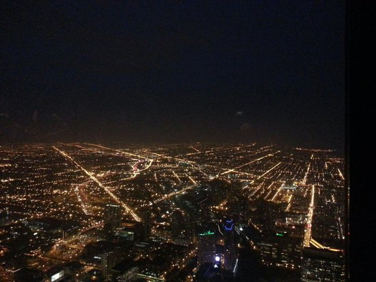 Skydeck Chicago - Willis Tower: chicago at night from willys tower