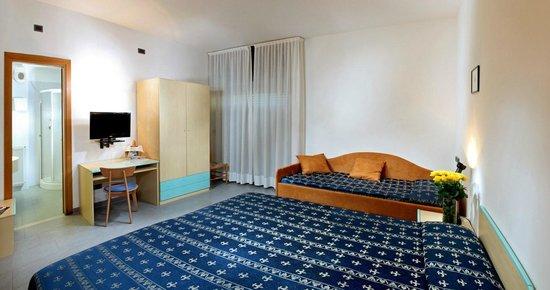 Hotel Helvetia: Camera comfort tripla