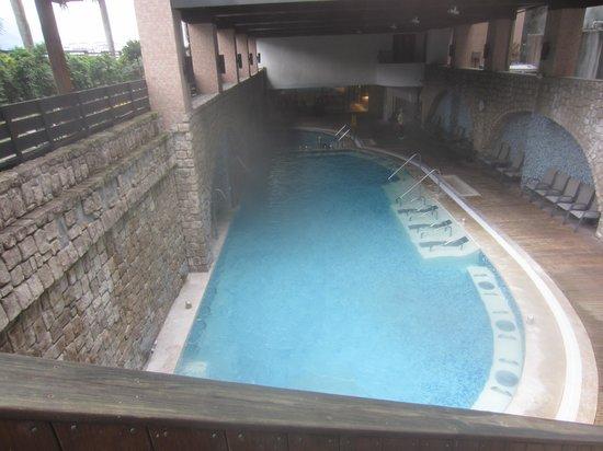 Hoya Hot Springs Resort & Spa: Undercover Hot Springs Pool