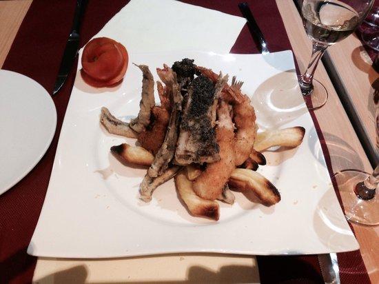 Officina del Gusto : Entrée tempura gambas ombrina et anchois un délice !