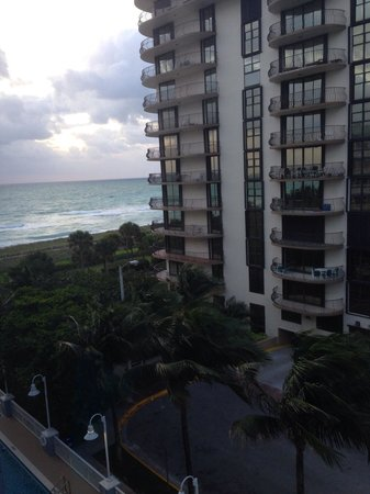 Solara Surfside Resort: Morning view from 609