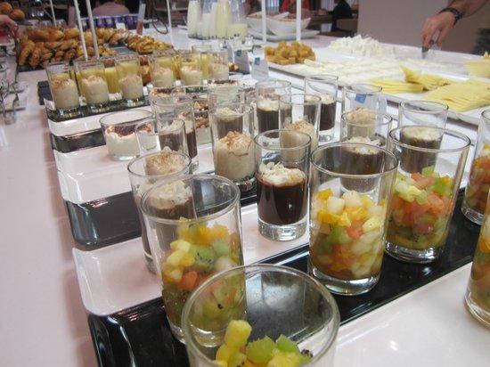 NH Sevilla Plaza de Armas : Detail zoetigheid bij ontbijt