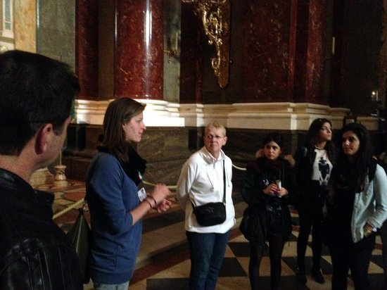 Free Budapest Tours & Multilingual Guides: In Saint Istvan's Basilica