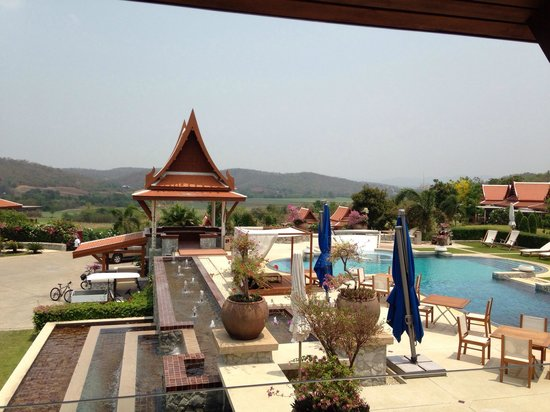 Baan Souchada Resort & Spa: Photo taken when we were having our tea at the restaurant's balcony