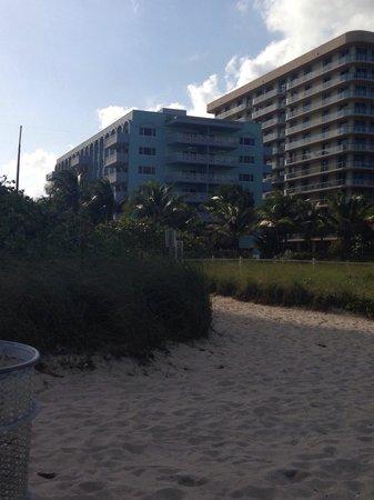 Solara Surfside Resort : View of Solara Surfside from the beach