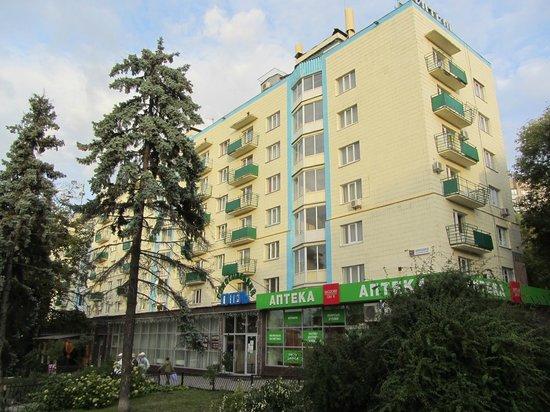 Holosiivskyi Hotel: Отель Голосеевский