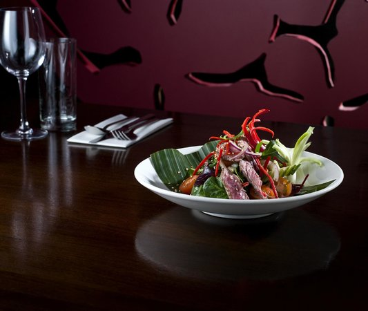 Koh Restaurant & Cocktail Lounge: Thai Spicy Beef Salad