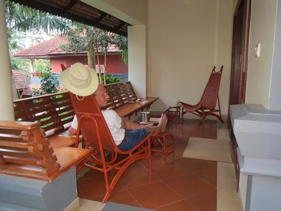 The Elephant Court : Relaxation on the terrace!