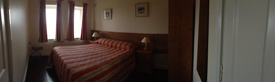 The Lodge, Doolin: Master bedroom