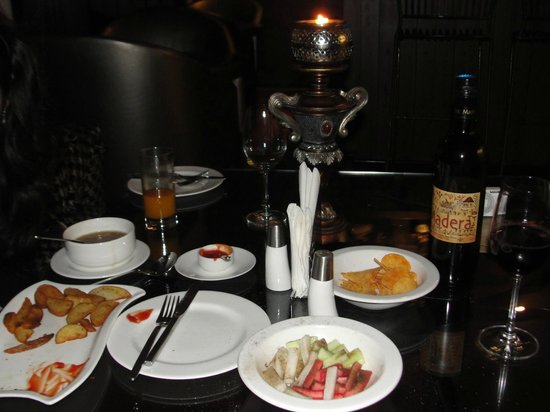 Rock Manali Hotel & Spa: Candle Light Dinner with Indean Most Popular Wine